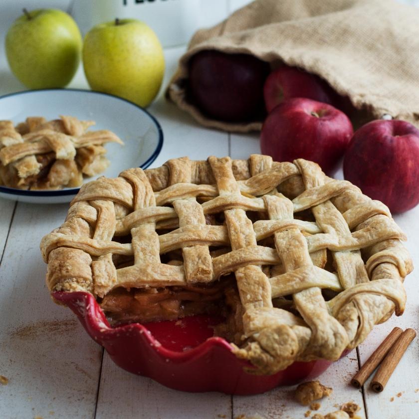 Apple Pie Recipe Mimiclaire Kitchen Baking Desserts_07